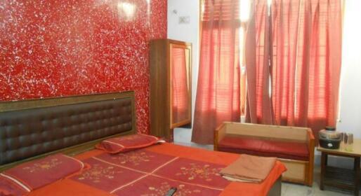 Elora Guest House Agra