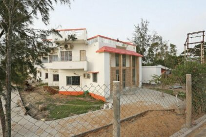 SPOT ON 39454 Abhishek Lodge