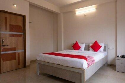 OYO 29328 Hotel Omni
