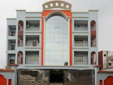 OYO 9658 Hotel Madhuram