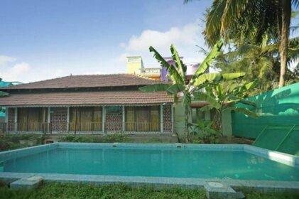 Cozy Pool-View Home Studio in Pondicherry
