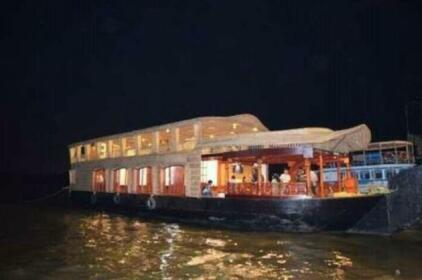 Pondicherry Houseboats