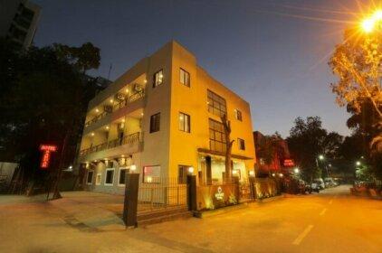 Hotel Sardar Pune
