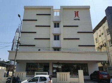 Royal Jt Hotel