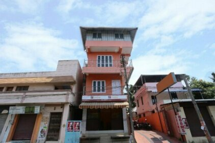SPOT ON 36996 Manasa Tourist Home