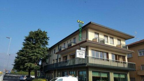 Hotel Dei Pini Ambivere