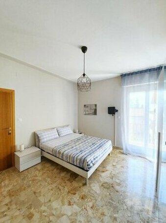 Appartamento con tre camere zona Caserma/Stazione