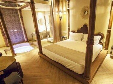 Egm Hotel