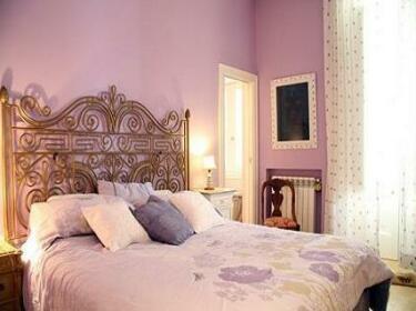 Via Luigia Sanfelice Halldis Apartment