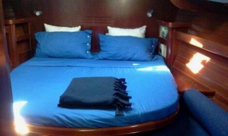 Cochiel Sail Yacht