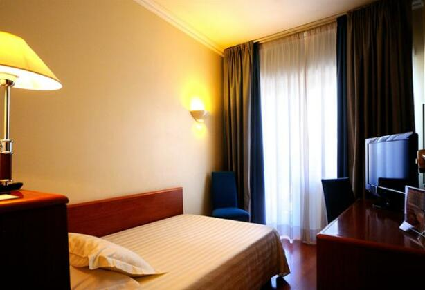 Best Western Globus Hotel - Photo2