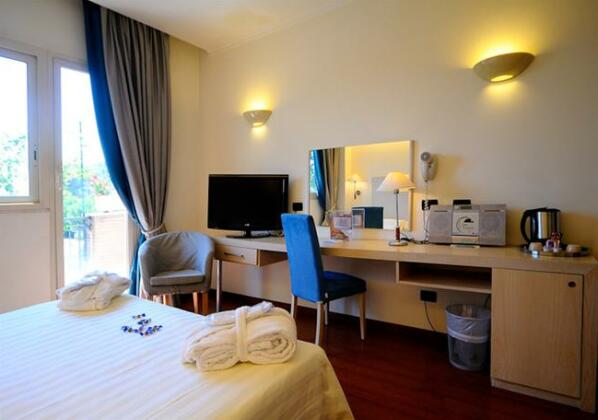 Best Western Globus Hotel - Photo3