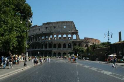 Colosseum In The Heart Studio