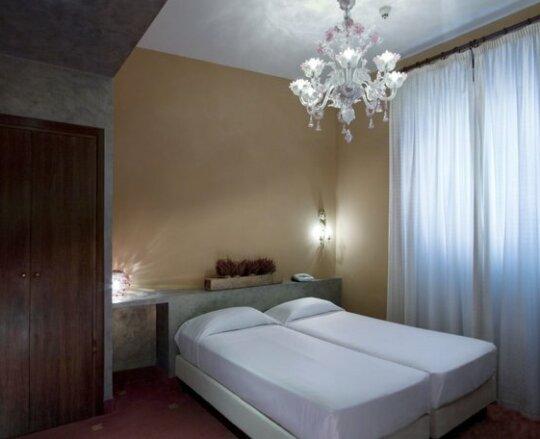 Hotel Columbia Rome- Photo4