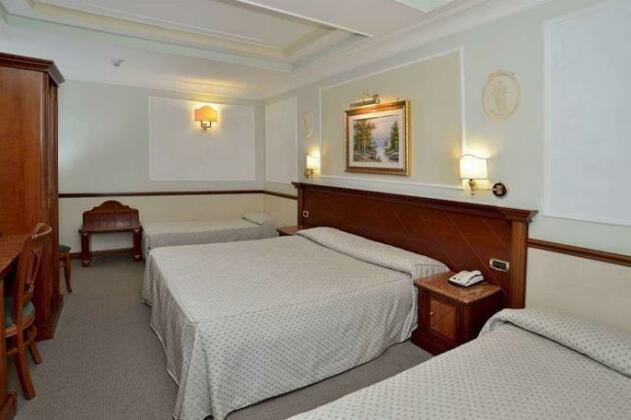 Hotel Hiberia- Photo4