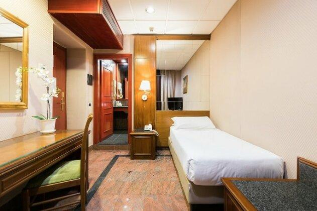 Hotel Madison Rome- Photo4