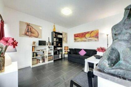 Rhome Apartments Leonina