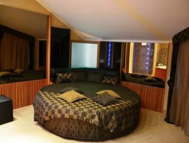Hotel Motel 2 Sale