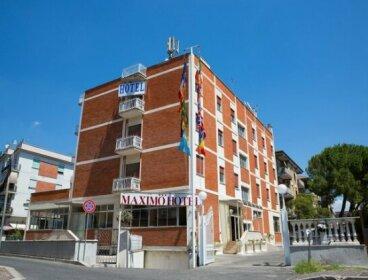 Maximo Hotel