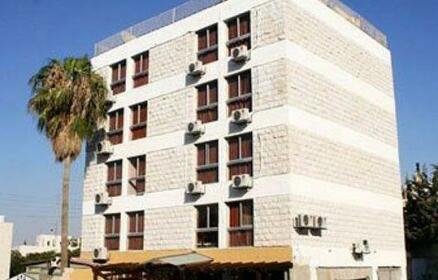 Ola Palace Hotel