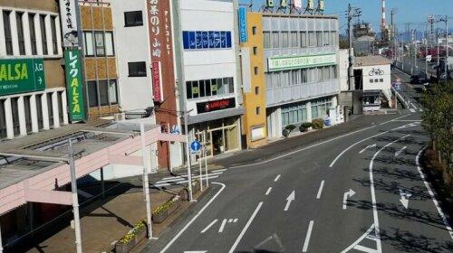 Running Bare Fuji - Hostel