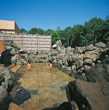 Yuyado Kuttari Onsen Lake Inn