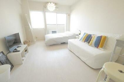 Shibuya 7 Simple White Cozy Room