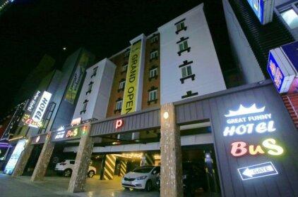 Hotel Bus