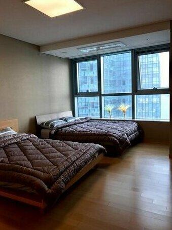 Luxury IPark T2 Apartment