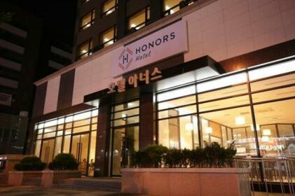 Honors Hotel