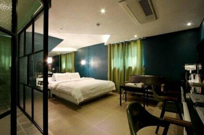 Raum Hotel