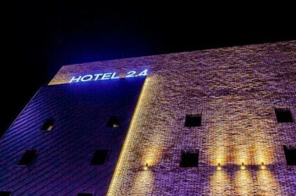 Hotel 2 4