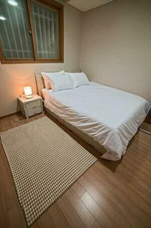 Mapo Two-Bedrooms Apartment