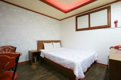 Mia Hayarobi Motel