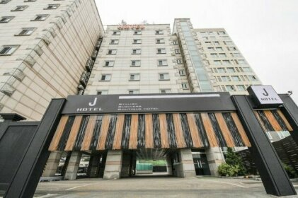 J Hotel Suwon