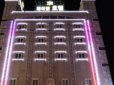 Goodstay JM Hotel