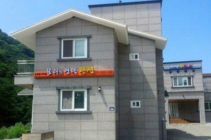 Yangyang Mori-ui-eondeok Pension