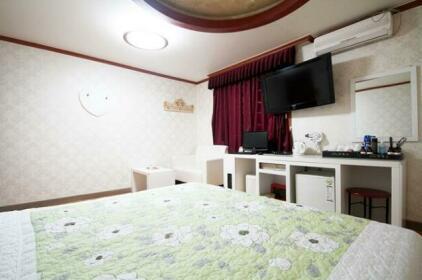 Yeosu Palace
