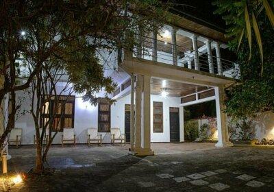 Aura City Hostel