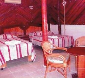 Golden Paradise Hostel & Camping