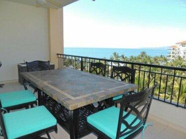 Luxury Two Bedroom at Playa Royale 2706