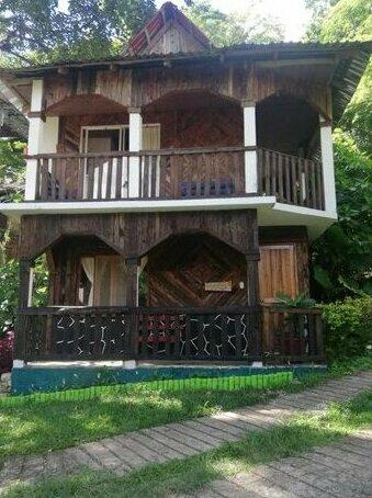 Cabanas y Casas del Arbol La Huerta