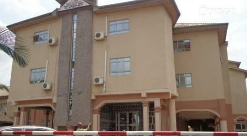 Las Pamas Holiday Inn & Resort Limited