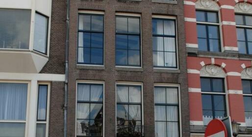 Amsterdam CS Jacuzzi Studio