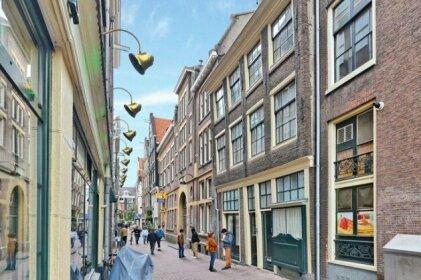 AmsterdamHangOut