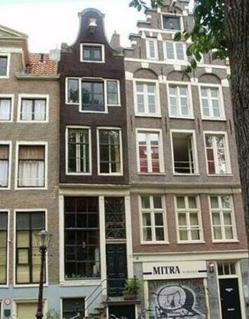 Apartments 1680