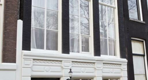 Bed & Kitchen Amsterdam