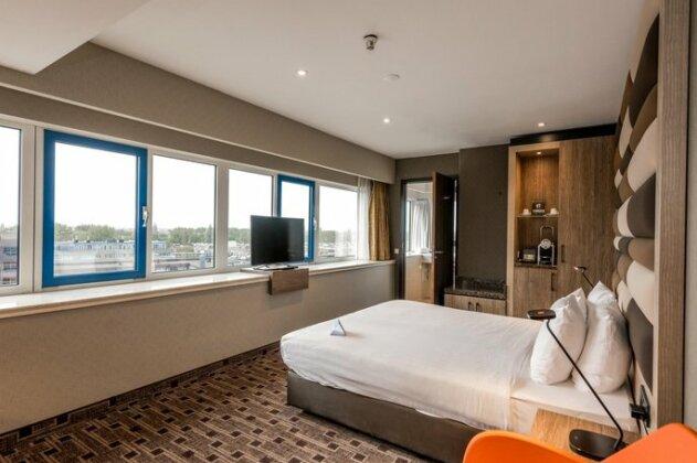 XO Hotels Blue Tower- Photo4