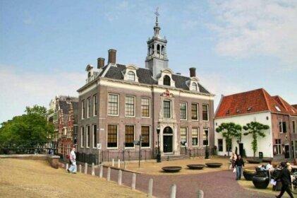 Meeuwen Manor