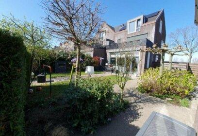 Comfy Tiny house near Rotterdam Airport
